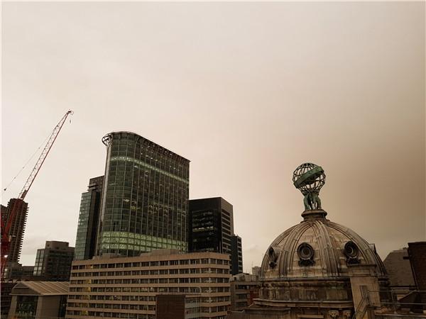 飓风将至的伦敦天空发黄