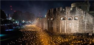 伦敦塔点亮万支火炬 纪念一战结束一百周年